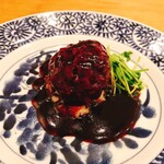 140503631 - 大きな肉団子上海醤油煮
