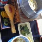 お加山 - 五目釜めし定食