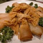 梅蘭 - 二種類の揚げ物、春巻きと揚げワンタン