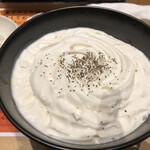 Shodai - 白いカレーうどん1210円