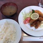 キッチン きく - わかさぎフライ(定食)+味噌汁