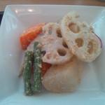 パリヤ - 夏野菜のサラダ(ゴマと酢の味付けです)