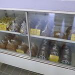 桜井味噌店 - 天然酵母が生きています。