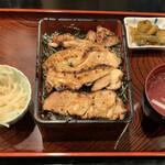 鳥清 - キジ焼き重(1000円)