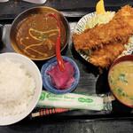わぶ - 牛すじカレー+いかフライ定食