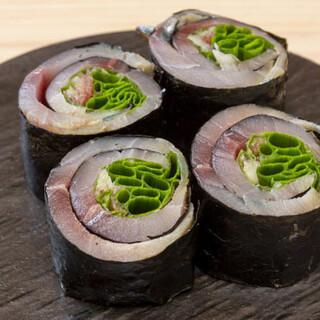 話題の「寿司赤酢」の寿司が、アラカルトでご注文いただけます