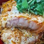 高砂食堂 - 肉が柔らかく半熟卵やタレのしつこさは無くペロっとイケます!