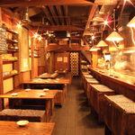 野乃鳥梅味堂 - 少し照明を落とした店内はムードたっぷり、コンパにも・・