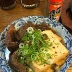 餃子ノ酒場おおえす - 肉豆腐390円