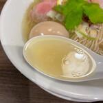 自家製麺 鶏冠 - スープ