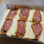 レストラン ヨコオ - 厚切り牛カツサンド(Rサイズ)!