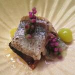 Aji Fukushima - 秋刀魚と銀杏