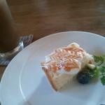 14060520 - デザート。シフォンケーキ