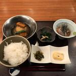 日本橋逢坂 - 鯛茶漬け(税込み1500円)
