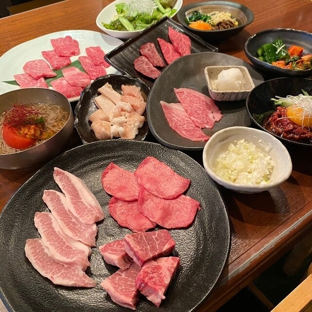 炭火焼肉酒家 びっくりや 大井町店の料理の写真