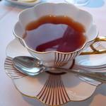 ティラ - お紅茶~カップが変わっています♪