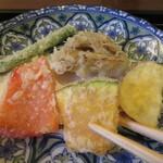 蕎麦 高しま - 彩りも味わいも楽しい野菜