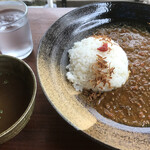 ル・クロ スゥ ル スリジェ - 薬膳カレー、薬膳スープ付