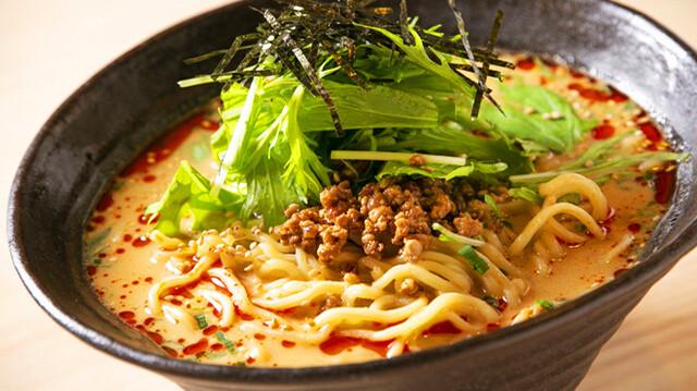 餃子酒場 ツツムの料理の写真