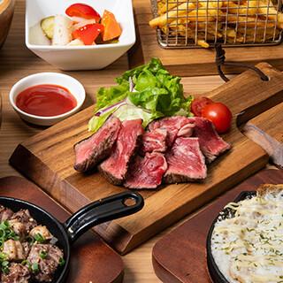 牛の赤身肉ステーキをはじめ、創作鉄板焼きメニューが豊富◎