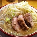 バリ男 - ラーメン(750円)
