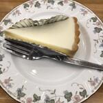 ティーハウスタカノ - チーズケーキ390円