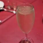 銀座ワイン食堂 パパミラノ - スパークリングワイン。
