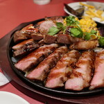 銀座ワイン食堂 パパミラノ - ボリュームたっぷり お肉!