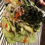 個室焼肉 囲 - 囲サラダ 800円
