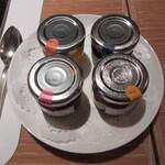 オールデイダイニング カメリア - 卓上に4種の瓶ジャム