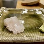 鮨かねみつ - 長崎県のクエ 透明感のある白身で、食感の良さが秀でています♪