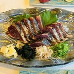 黒潮本陣 - 黒潮名物:鰹わら焼塩タタキ