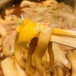 140671657 - ・味噌煮込みうどん 麺リフト