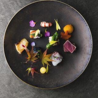 季節の食材にこだわった贅沢ランチをお楽しみくださいませ