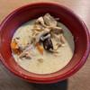 タイ料理 ピント - 料理写真:グリーンカレー(¥500) おいしいです。辛さはそこそこ。青唐辛子が効いています。