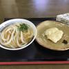 手打ちうどん 尾崎 - 料理写真:かけうどん、太刀魚、おにぎり、美馬辛