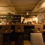 ビアーズ - 1階テーブル席&カウンター席
