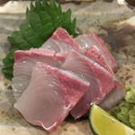 スタンド メェ - 料理写真:カンパチ530円
