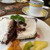カフェ ケイキ - 料理写真:ショコラシフォンケーキとブレンドコーヒー
