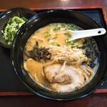 鋼 - 料理写真:醤油ラーメン+ネギ