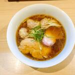140731099 - 海老ワンタン醤油らぁ麺