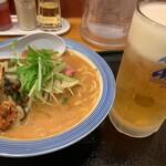 リンガーハット - かきちゃんぽん(小さいサイズ)と生ビール(中)の1000円セット(勝手に命名)