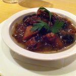 ルーティンダイニング - マダコと黒オリーブのオイル煮