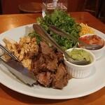 サルサカバナ - トルティーヤで巻いて食べるお肉達♫