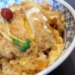 そばの神田 - カツ丼:590円