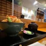 140767916 - SAKANA CUISINE RYO@小田原 厨房と隣席はパーティションされている