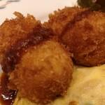 キッチン マカベ - カニクリームコロッケのアップ
