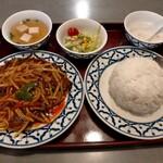メコン - 牛肉の辛口炒め990円