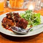 ボクモ - 牛肉の赤ワイン煮込み   980円