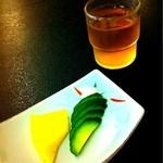 水舎 - 漬物と冷そば茶